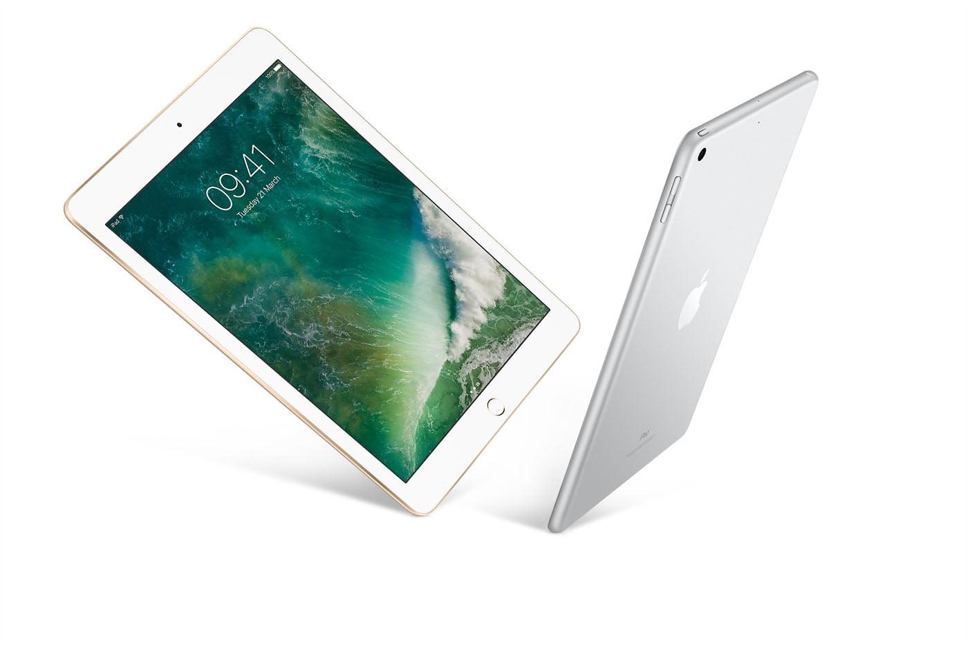 iPad первого поколения WiFi 3G с обратной стороны The 1st Generation iPad on the iDock В первые же дни после
