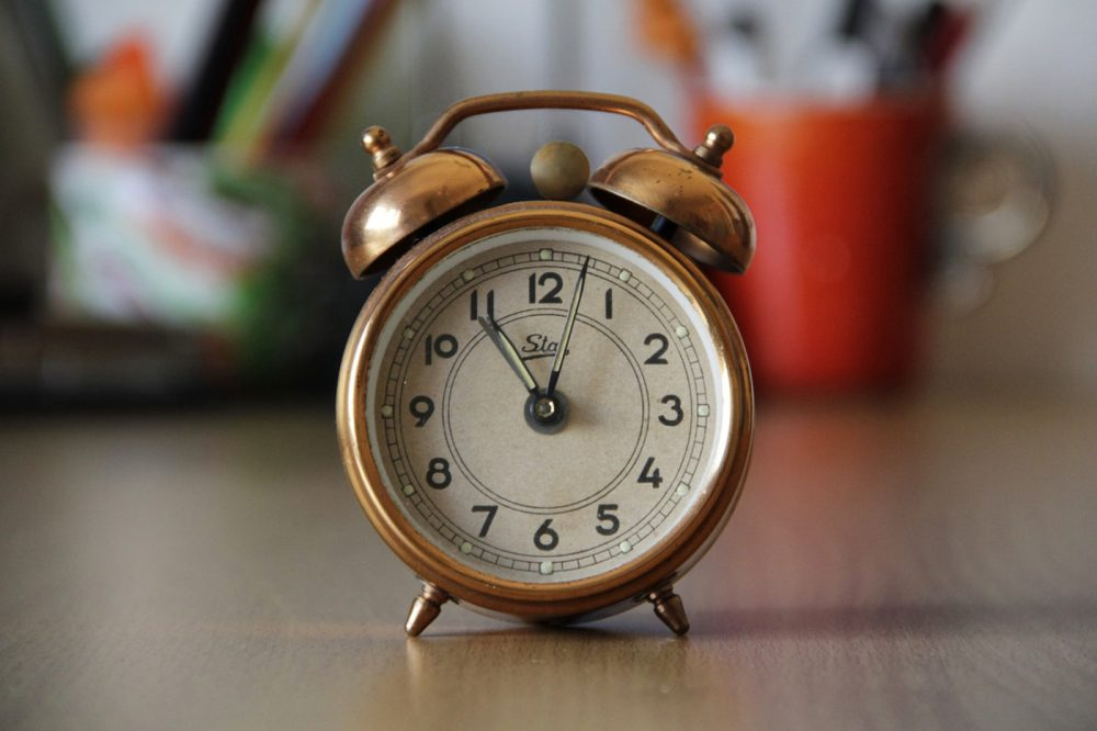 Get Your Family Ready for the Clocks Change - 5 Top Tips!