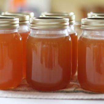 Super Easy Homemade Peach & Vanilla Jam