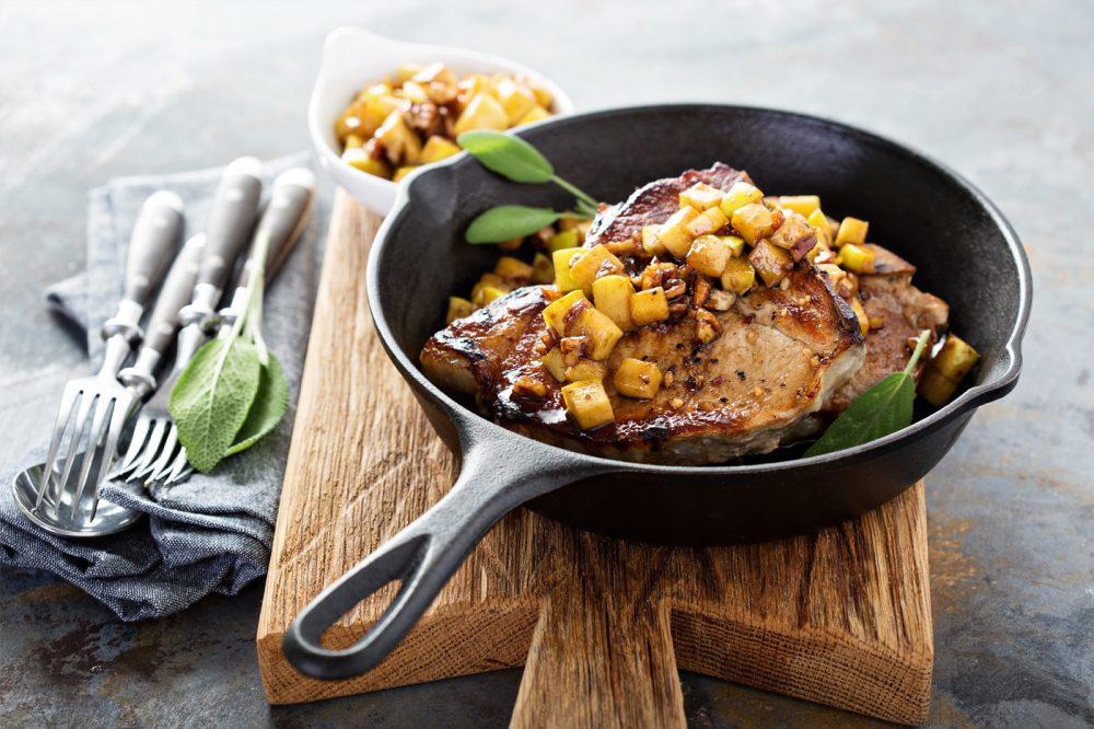 Pork Chops with Cinnamon & Apple