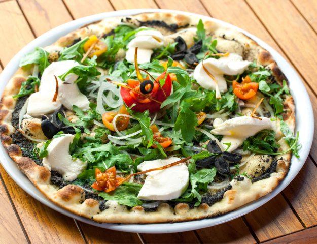 500 Calories or Less: Low Calorie Pizza