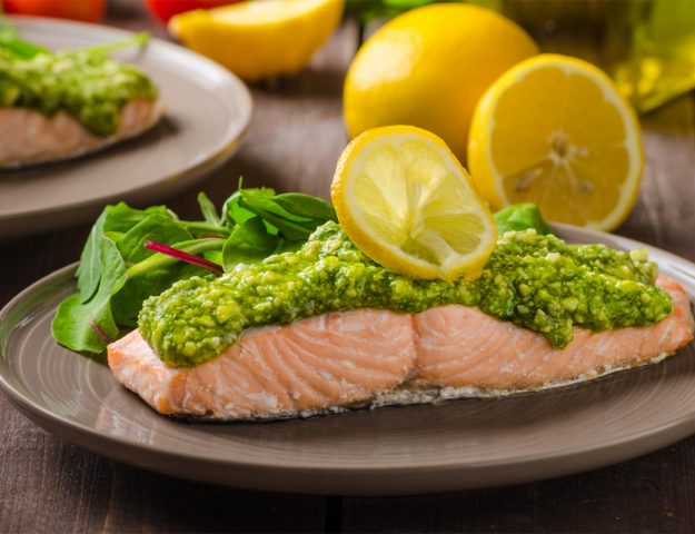500 Calories or Less: Salmon With Homemade Pesto